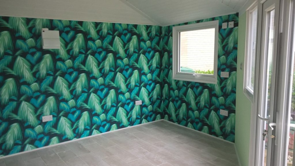 Apartment wallpapering service