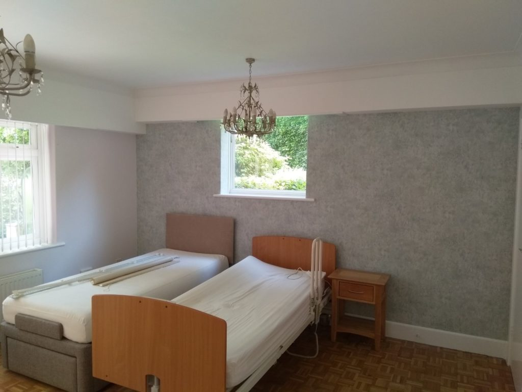 Feature wall wallpapering service